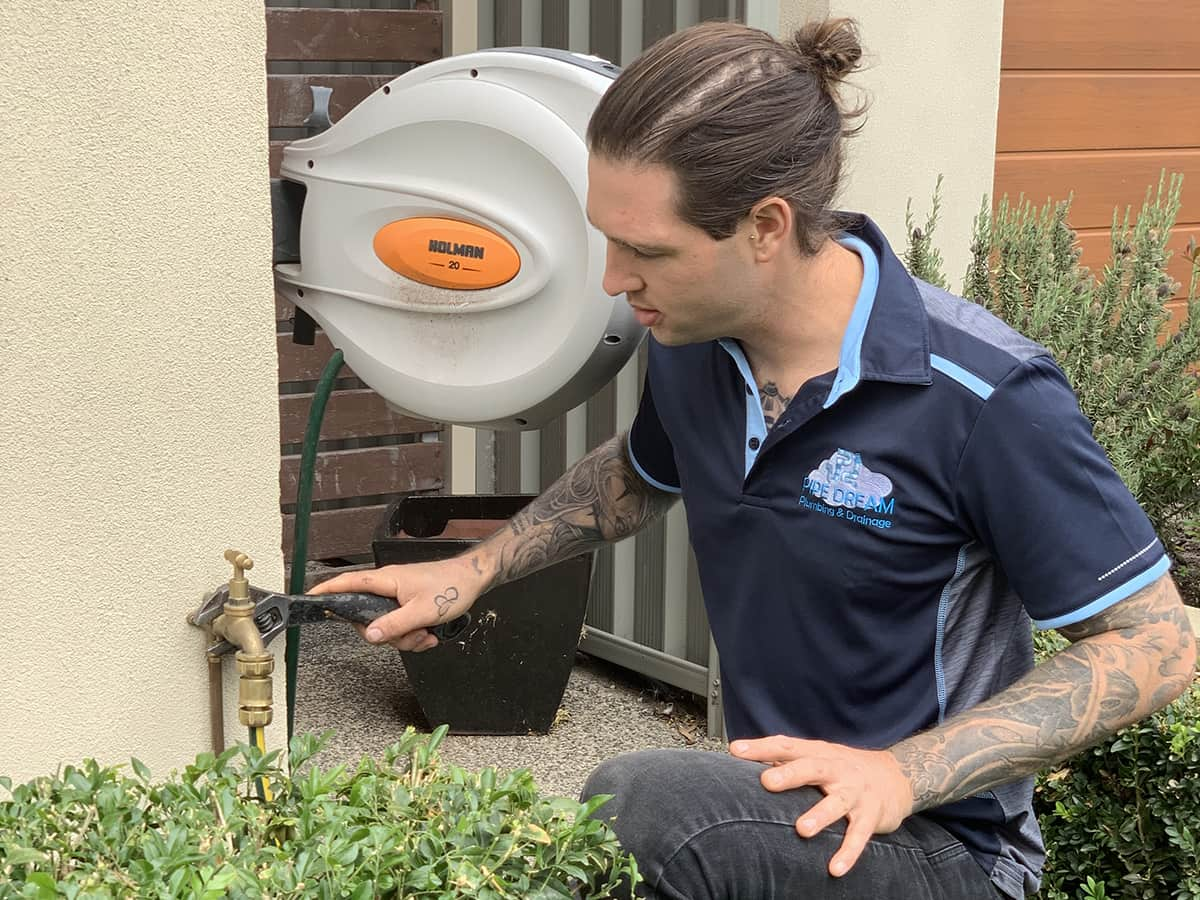 https://pipedreamplumbing.com.au/wp-content/uploads/2020/03/trying-to-find-a-plumber.jpg